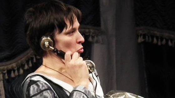 Олеся Железняк в роли Анны